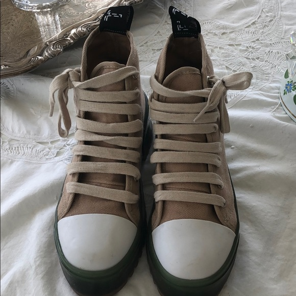 Zara Shoes - Zara TRF sold out on line high top sneakers